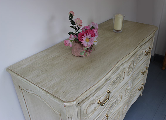 commode fa on gustavien. Black Bedroom Furniture Sets. Home Design Ideas